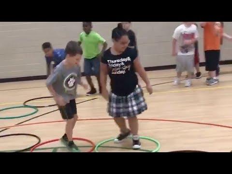 Epic 4th grade hopscotch game - Hoop hop showdown