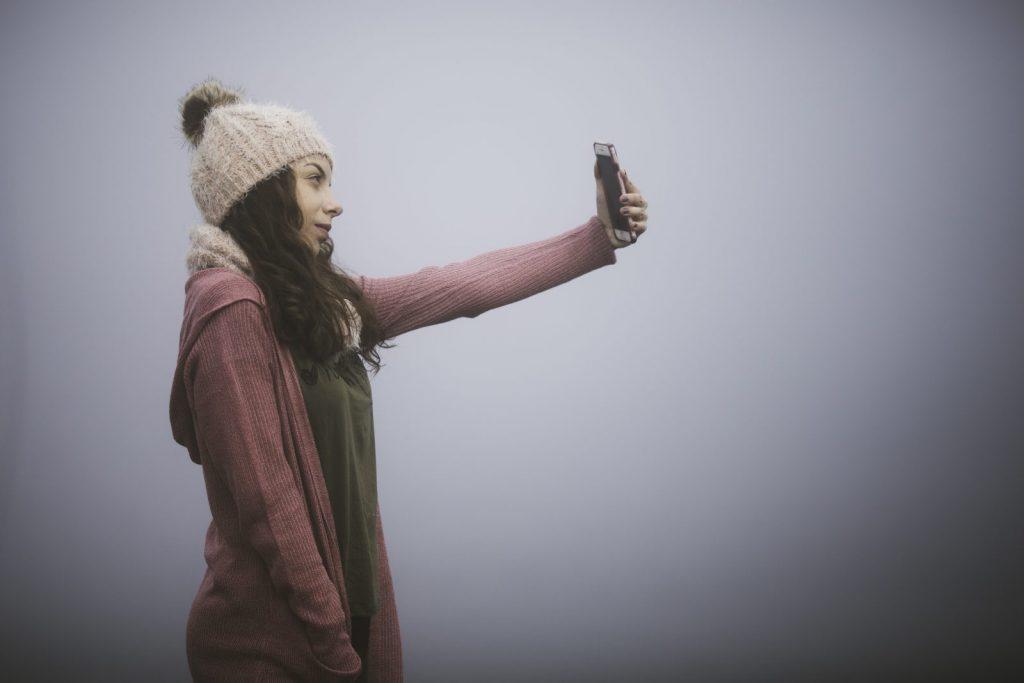 selfie photo scavenger hunt